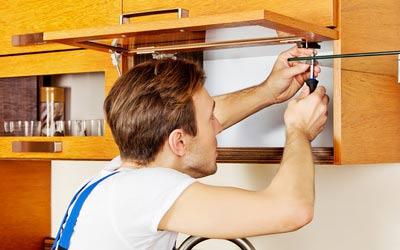 Küchenmontage und Aufbau von Möbeln